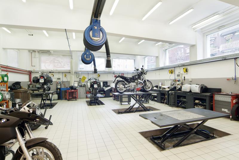BMW Motorrad Milan OMCN motor-bike lifts