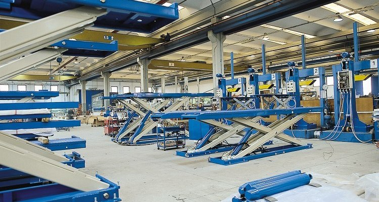 OMCN production of automotive lifts and workshop equipment
